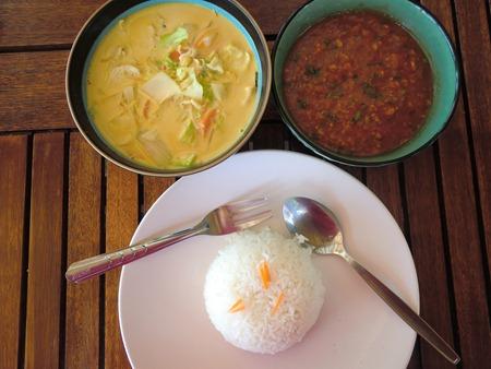 Déjeuner léger au Shambala Village Bungalows–Ko Phangan, Thaïlande