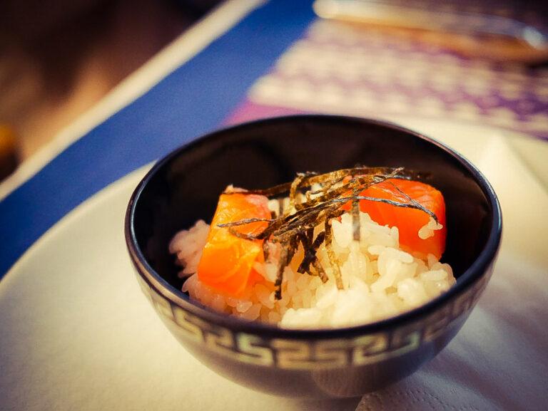 sushi saumon fume