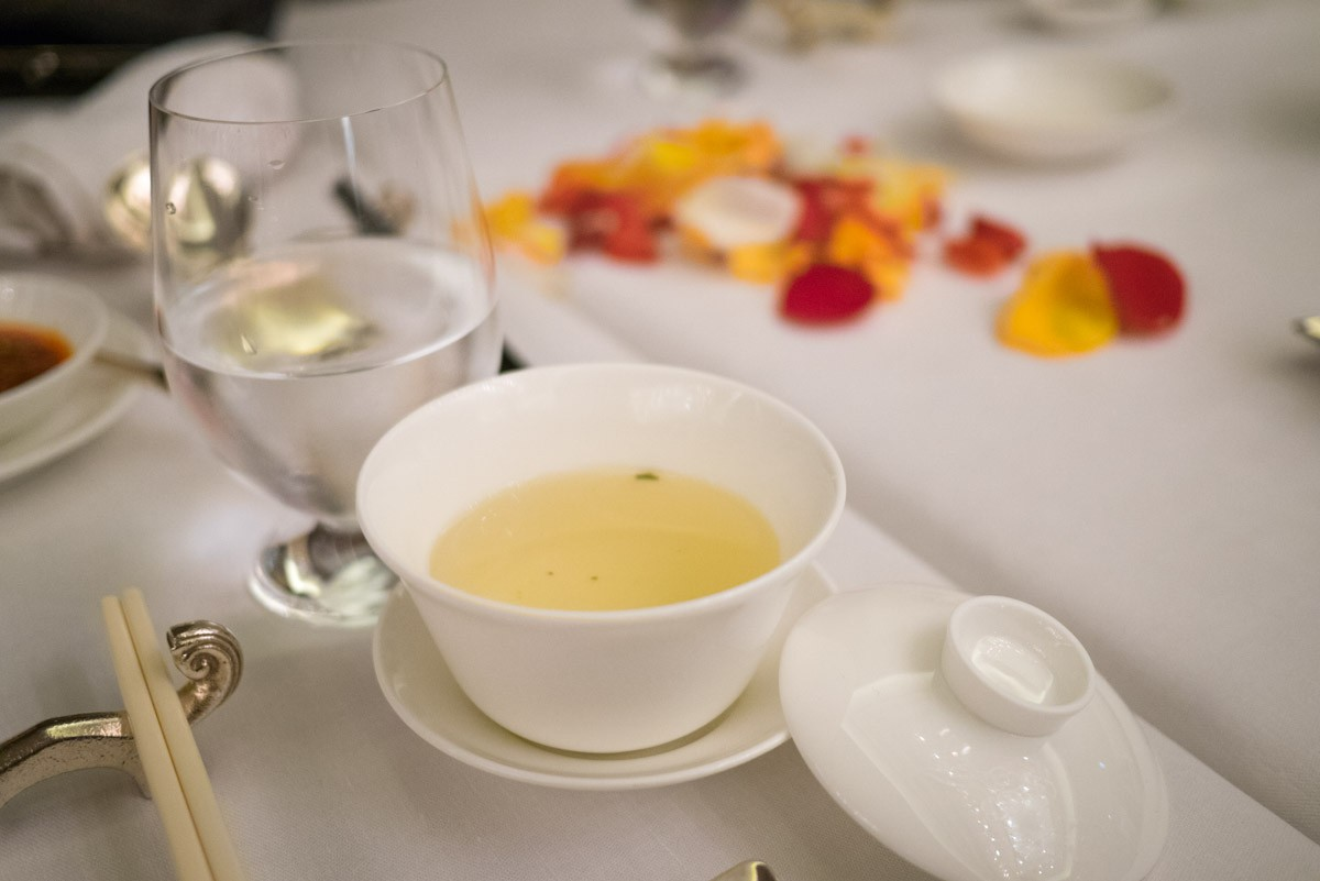 Un peu light pour moi. Un très bon thé, mais j'aime mon thé avec plein de feuilles.