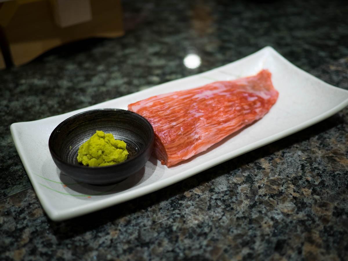 Bœuf de Kobé et wasabi frais râpé