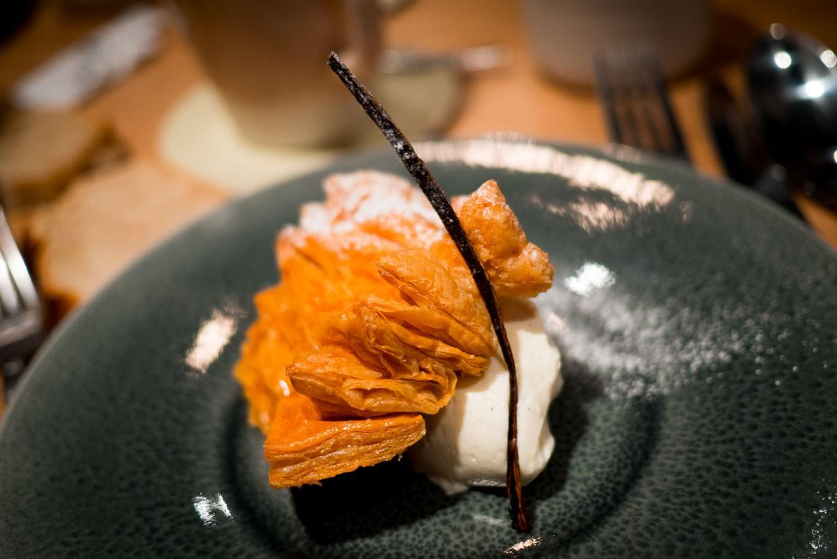 Mille-feuille, chiboust de vanille de Tahiti.