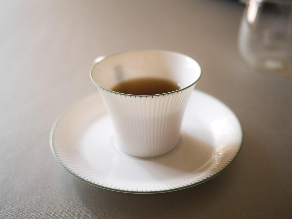 Une tasse de thé.