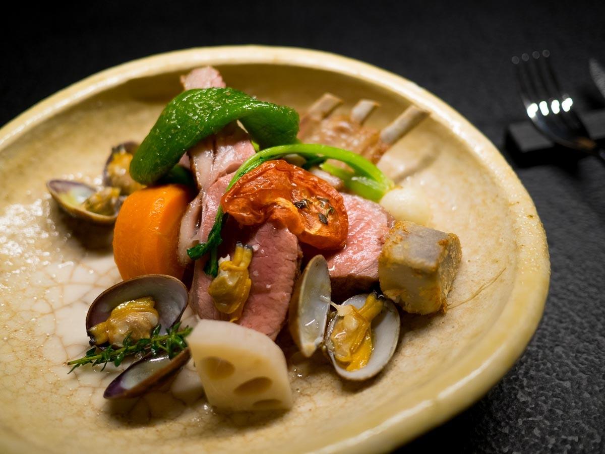 Agneau aux palourdes japonaises, légumes de Mr Yoda.